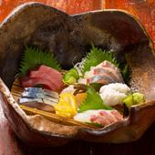 【魚の棚】名物「昼網」から仕入れる、季節の鮮魚を使った『造り6種盛り』