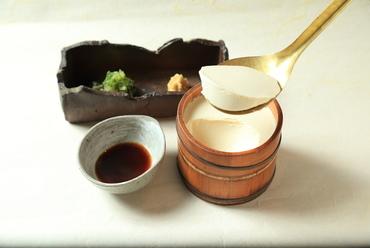 濃密な自家製豆腐『石慶豆腐』