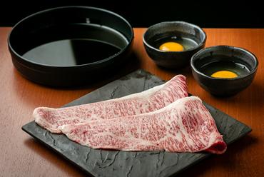 牧場直送で鮮度も旨味も抜群! 破格のお値段もうれしい『松阪牛の特上すきやき』
