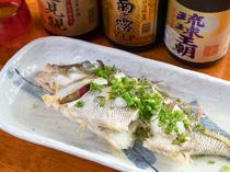 泡盛と塩で魚を煮る、沖縄の伝統料理『魚のマース煮』