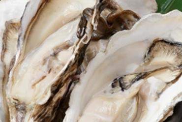 魚介の泡立ちや立ち上る蒸気、おいしそうな香りに食欲をそそられる『浜焼き』