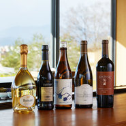 3種のシェフのお任せコースにはそれぞれ、ホテルのソムリエがセレクトしたワインペアリングのコースもあります。中には【パーク ハイアット 京都】のためだけに作られた特別な日本酒が出ることもあります。