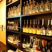 お酒も豊富に取り揃え。オススメに身を委ねるのも乙なもの