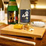 『煮穴子』は、ゲストからの評価が特に高いという自慢の逸品。手間暇を惜しまず丁寧に炊き上げた、柔らかな口当たりの穴子。ぜひとも召し上がっていただきたいひと品です。