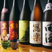 店内には各地の銘酒がずらり!日本酒好きは目が離せません