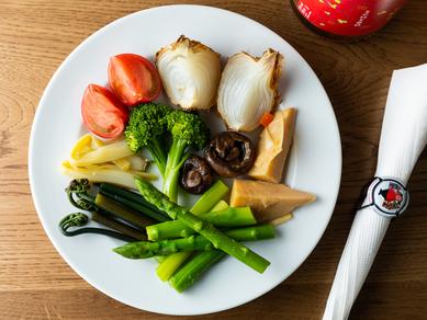 旬の野菜にひと手間かけてよりおいしく『旬の野菜の盛り合わせ』
