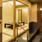 旬の素材そのものの良さを引き出す、和食ならではの深い味わい。大切なゲストを招いての会食に相応しく、ホテルならではの質の高いサービスで、ハイクラスのおもてなしができます。