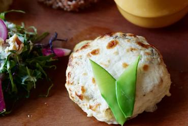 酒粕とカシューナッツソースの 豆腐ハンバーグプレート