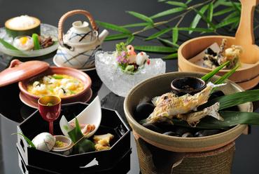 川魚料理が楽しめる店の看板会席『納涼川床料理』