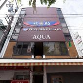 飲食店が集うビルの2階にたたずむカフェ【green flag】