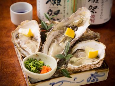年中生牡蠣を楽しめるのは全国から直送しているからこそ『産地直送!本日の生牡蠣』