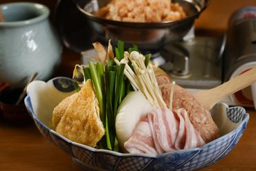 一人でも、グループでも、宴会にも外せない! 濃厚な醤油ベースの『ちゃんこ鍋』 ※大きめ 2980円