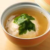 ふわっとした食感と豊かな香りが魅力的『蟹のふわふわ蒸し』