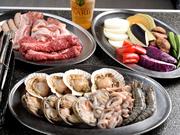 『スタンダードBBQ』に、新鮮な魚介たっぷりの魚介プレートも追加。お肉も魚介もたっぷり楽しめる人気セットです。