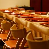 寿司とワインで彩る極上の空間は、デートに最適