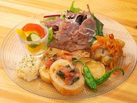旬の食材を楽しむことができるお得な『前菜の盛り合わせ』