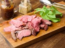 焼き立て、切り立ての『牛肉のイチボ肉! BBQグリル』