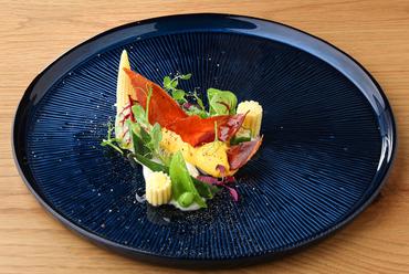 野菜のパワーを感じる『埼玉県(羽生市)ボンズファームのワイルド野菜の一皿』
