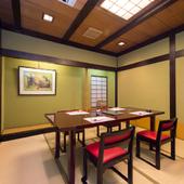 個室も完備。会食や接待など、畏まった席でも利用可能