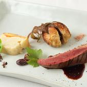 コク深い『シャラン産 鴨のローストと鴨肉とフォアグラのブーレット 5種のスパイスと赤ワインのソース』