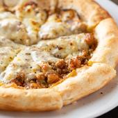 お腹の空き具合で量を調整できるのがありがたい。ピリリとしびれるおいしさの『スパイシーミートピザ』