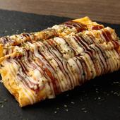 たっぷりかかったマヨネーズとソースの後引くおいしさ。食べ応えもしっかりある『とん平焼き』
