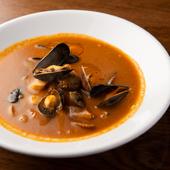 食材の旨みが凝縮された『スープ・ド・ポワソン 魚のうらごしスープ』
