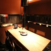 接待や会食など、会話重視の食事会にふさわしい個室を完備