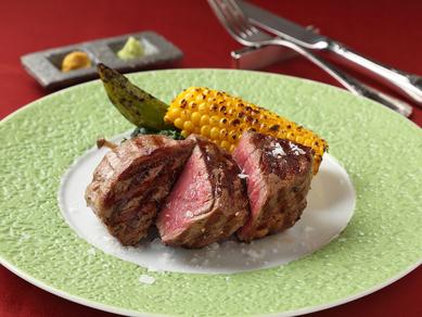 肉を味わう喜びを実感できる 『国産牛ステーキ フィレ』