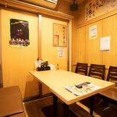 扉付きの完全個室も完備。女子会や友人たちとの飲み会にも最適