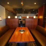 ゆったりとくつろげるソファ席は、家族や友人同士の気兼ねない食事に最適。女子会・ママ会に加えて、仕事仲間との食事会・宴会といった場面にも活躍してくれます。