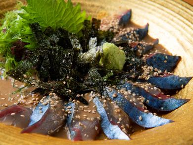 売り切れ御免! コリコリの食感を味わえる『日本一のごまサバ』