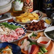 国内外のお酒にあわせて、和・洋・中バラエティ豊かなフードメニューがそろいます。松澤さんこだわりの一品は、コースで楽しむこともできるとか。人数や予算にあわせて、多彩なアレンジが可能です。