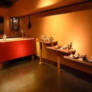神戸とんぼでは、食事だけでなくアートも楽しめる空間が設けられている。芸術をより身近に感じられる。