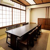 和の風情が薫る個室が充実し、さまざまな宴席に理想的な空間