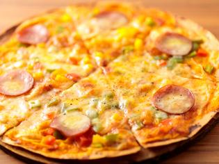 3種のチーズのバランスが絶妙『ミックスピザ』