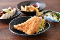サク・ふわ食感。新鮮な海の幸を堪能できる『地魚フライ』