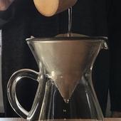 茶釜の柔らかなお湯で淹れるコーヒー