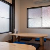 座敷席や個室も完備で、お子さま連れやグループにも◎