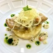 鮮魚のポワレ ハーブビネガーのバターソース さつま芋のフォンダンを添えて