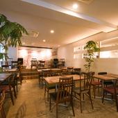 イベントや貸切パーティーに最適、音響設備も充実した店舗1階
