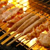炭で丁寧に焼き上げる串焼き