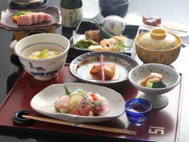 趣向を凝らした京料理を存分に楽しむ『吟醸コース』