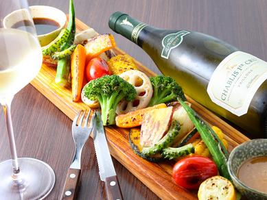無農薬野菜を、めいっぱい食べられる『MORI FARMのてんこ盛り野菜グリルプレート』