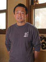 岡 孝晴 氏