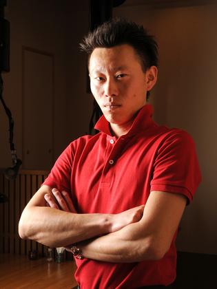 王本 雅彦 氏