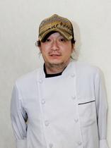 財田 章裕 氏