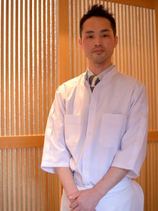 君島 吉明 氏