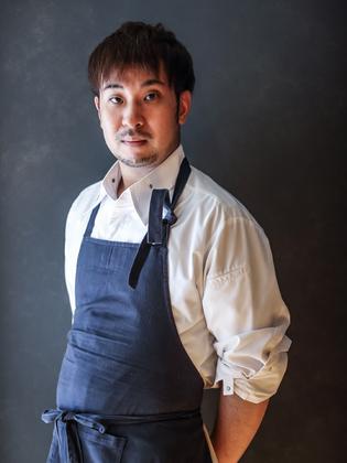 藤田 晃成 氏