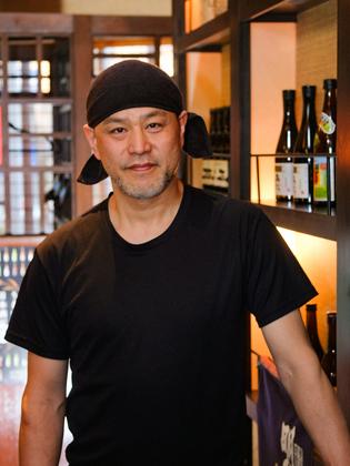 伊東 薫 氏